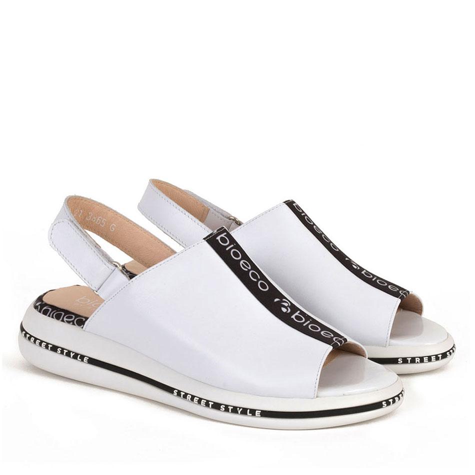Białe sportowe sandały