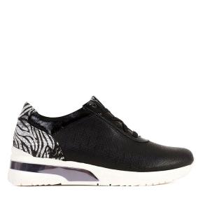 Czarne buty z tłoczeniem na białych spodach