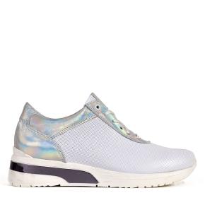 Białe sportowe buty z wstawką srebrną
