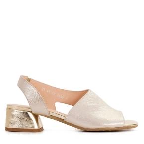 Złote klasyczne sandałki z oblekanym obcasem